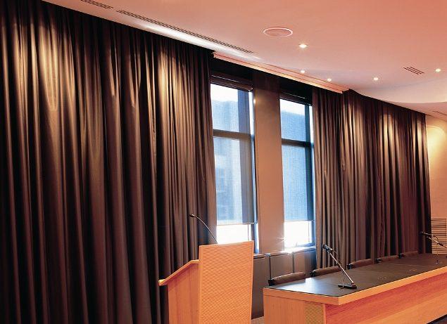 akustik konferans salonu perdesi